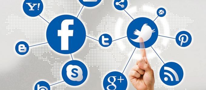 De esta manera, se ha ido colando en nuestras casas hasta conseguir más de 400 millones de usuarios activos (solo por detrás de Facebook y Twitter) y un crecimiento de 925 mil registros cada día.